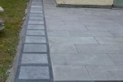 Vue sur la finition des bordures de terrasse