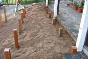 Alignement des poteaux pour pose de la terrasse en bois