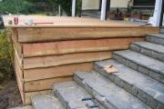 Finition apportée pour le parachèvement de la terrasse en bois