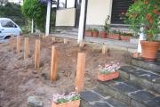 Poteaux de fixation pour l'installation de la terrasse en bois