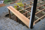 Pose de planche pour l'aménagement de terrasse en bois